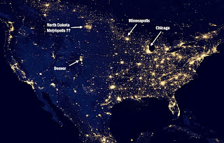 night time image of the US showing how the North Dakota gas facilities illuminate the sky