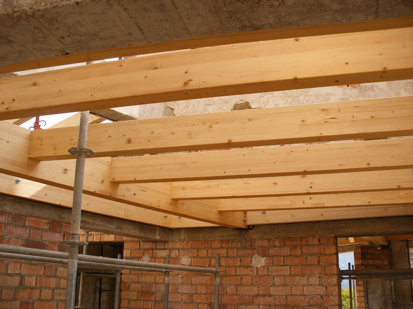 Construyendo la casa bioclim tica 12 construcci n 5b - Como colocar vigas de madera ...
