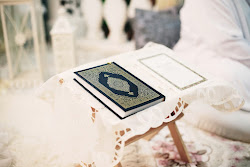 "Al-Qur&#39;an adalah ""Nur"""