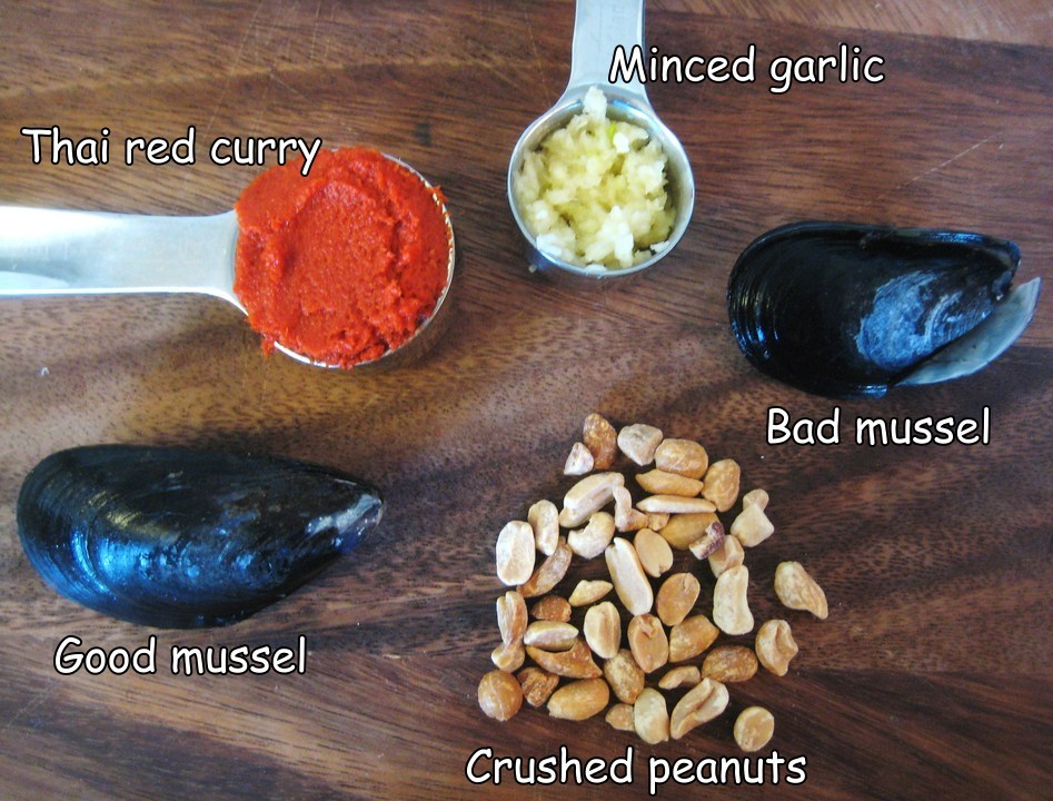 My Fare Foodie.: Thai Red Curry Mussels with Crushed Peanuts