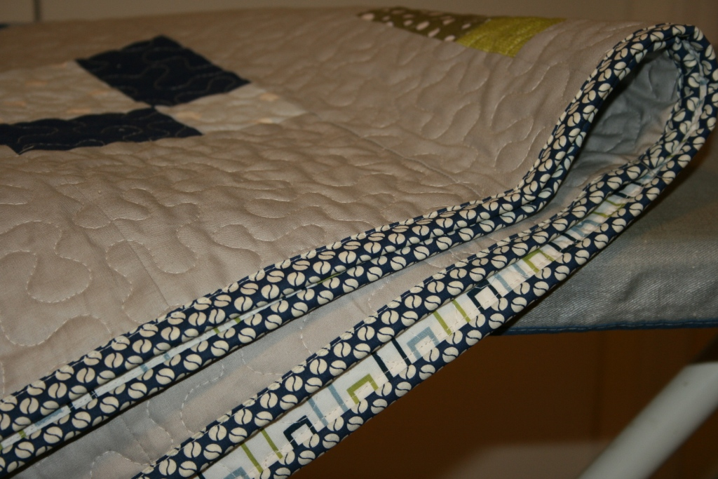 Crazy Mom Quilts One Way To Machine Bind A Quilt Awesome How To Sew Binding On A Quilt With A Machine