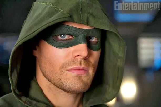 Arrow es cada vez mas Flecha Verde: ahora con antifaz