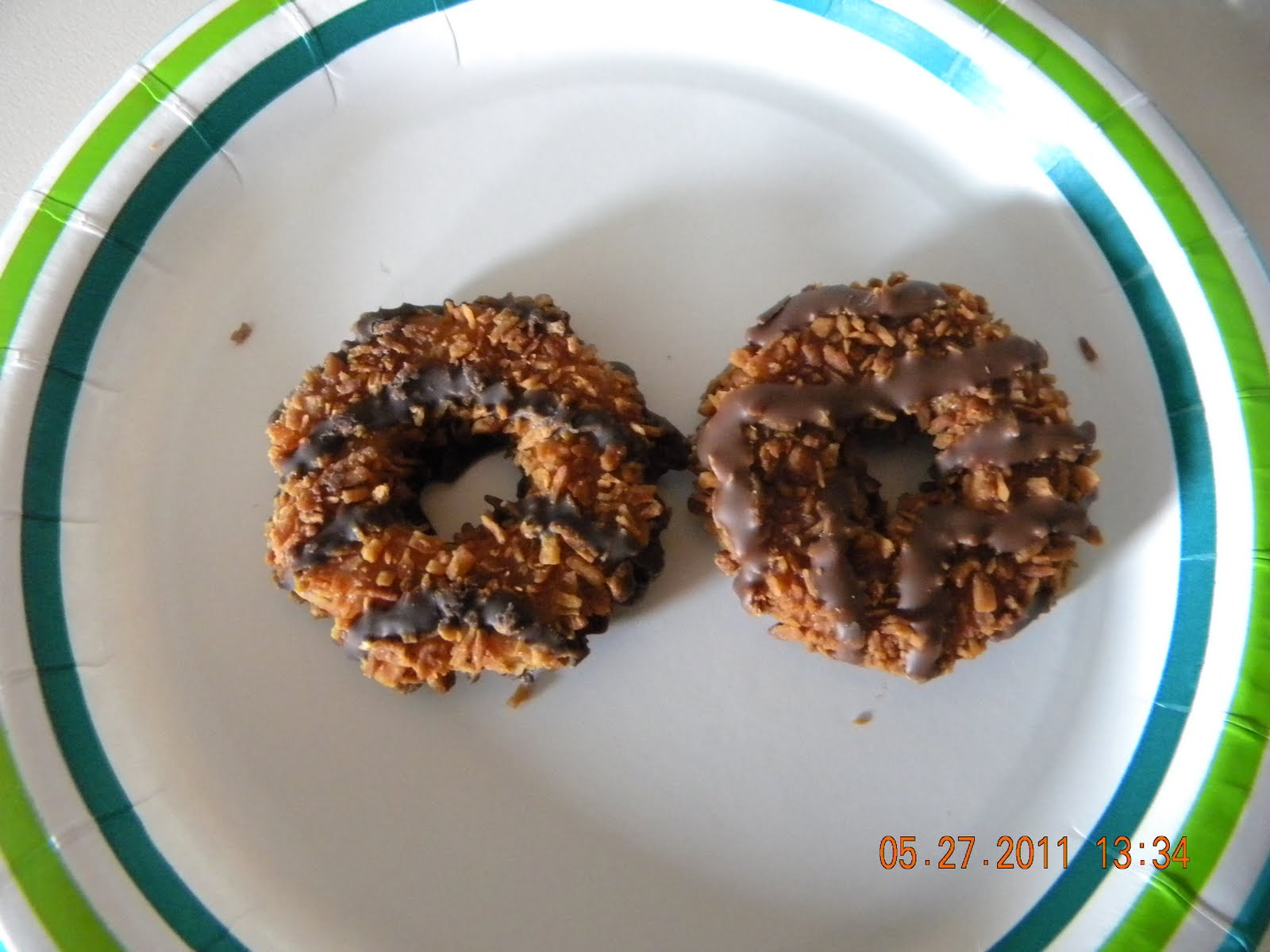 ... Sugar Girl: Girl Scout Cookie Samoas vs. Keebler Coconut Dreams