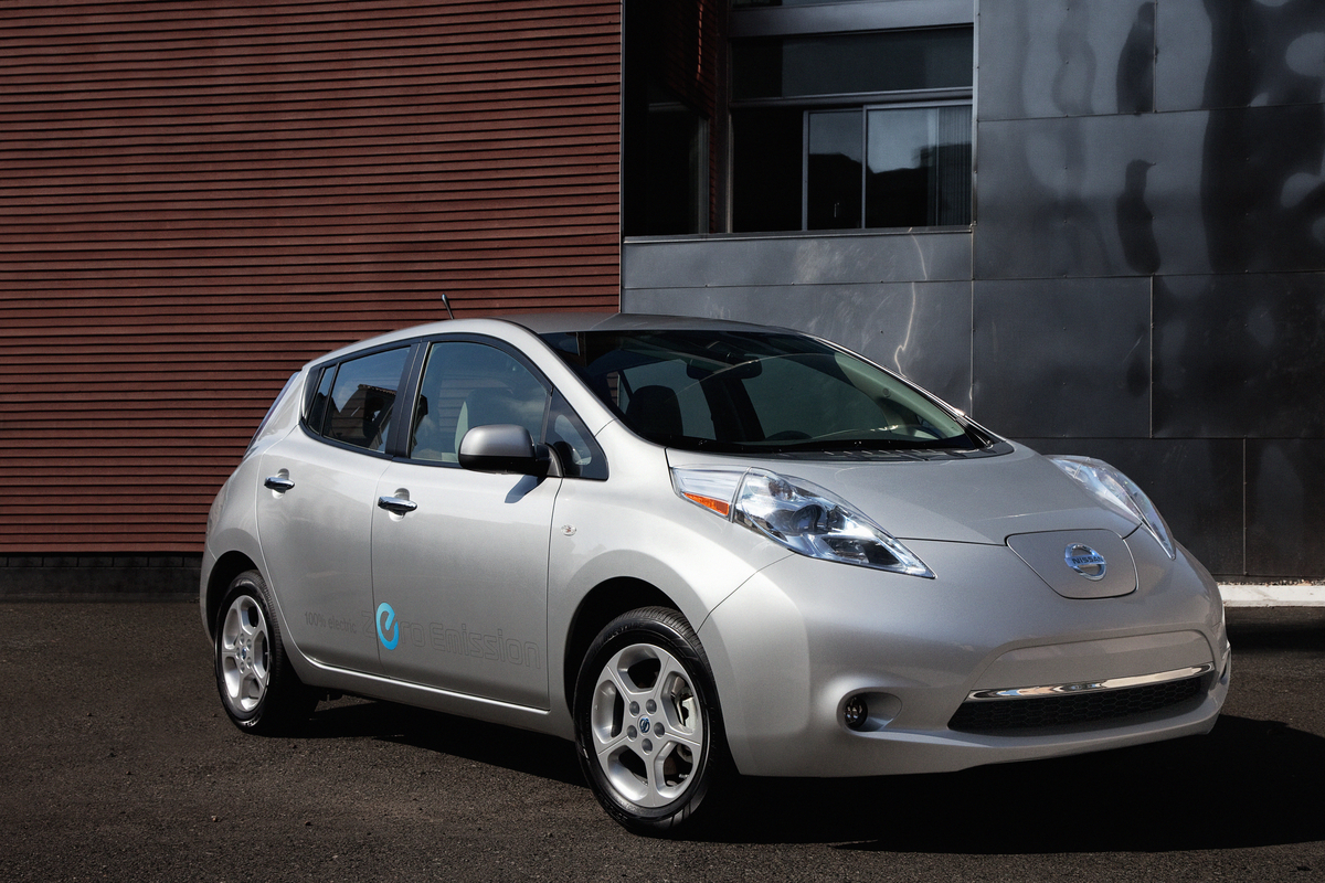 The Green Light  Review  2012 Nissan LEAF SV