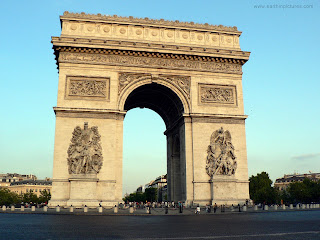 Paris Arc de Triomphe, amoretravel Paris city breaks