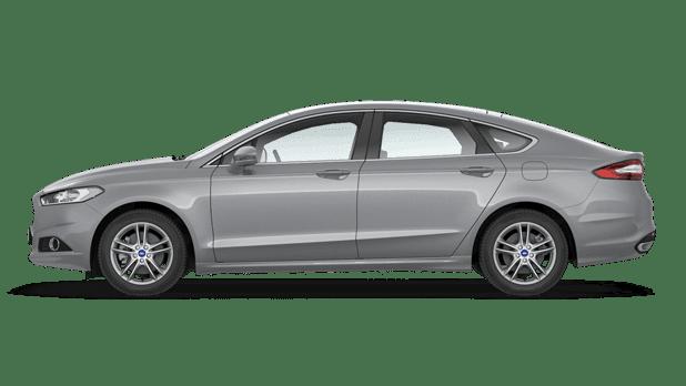 Ford Fusion (Mondeo) 2015 x VW Passat 2015
