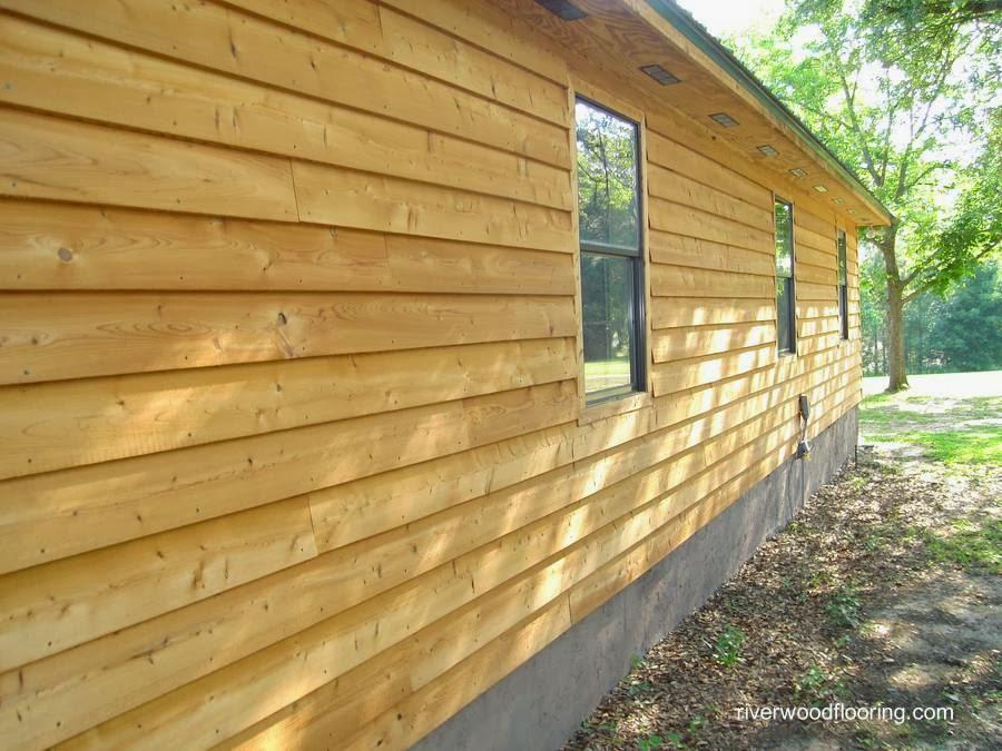 Siding de madera natural en una casa americana