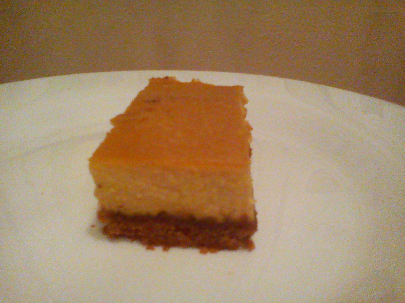 Tarta de turrón y queso fresco