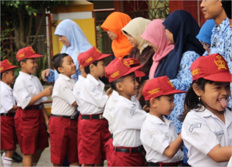 Upacara Hut Kemerdekaan Ri Dan Halalbihalal Idul Fitri 1434 H Belajar Dan Berbagi