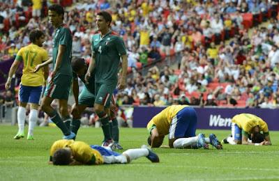 Tidak Di jagokan Mexico berhasil mengalahkan Brazil 2-1