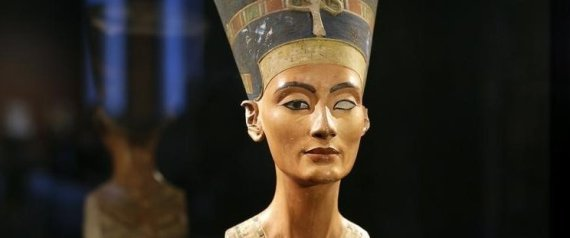 "The announcement of the greatest archeological discovery may be behind the cemetery, ""Tutankhamun"" in Egypt"