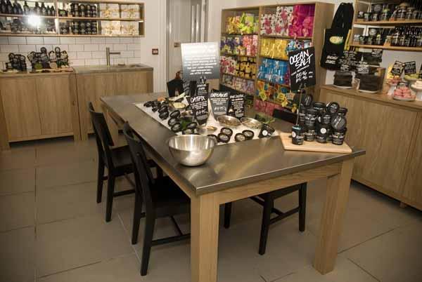 Keukentafel Landelijke Stijl : in rockabilly stijl gekleed gaat naar de winkel krijgt een verrassing