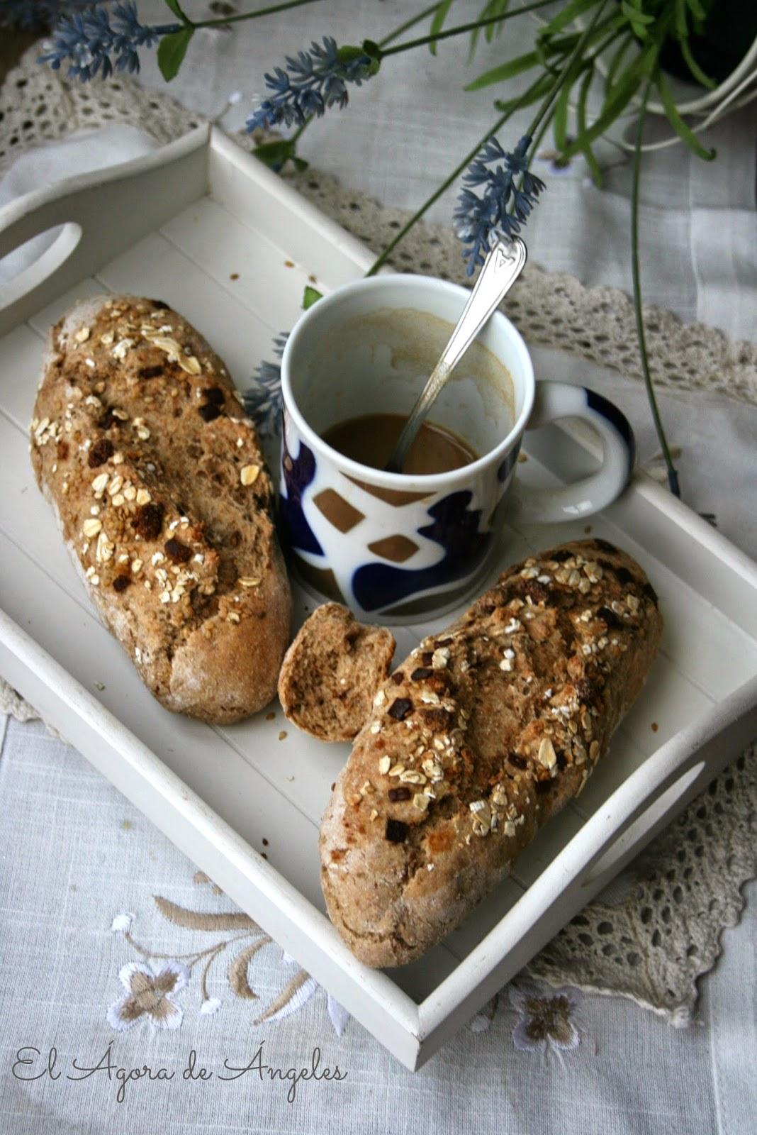 Pan integral, pan de muesli, pan de semillas, desayuno