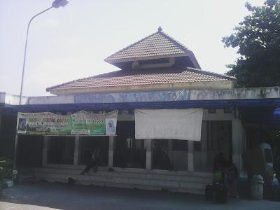 Masjid Al-Hidayah Terminal Giwangan Yogyakarta