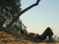 Las mejores posiciones para meditar acostado como - Meditar en casa ...
