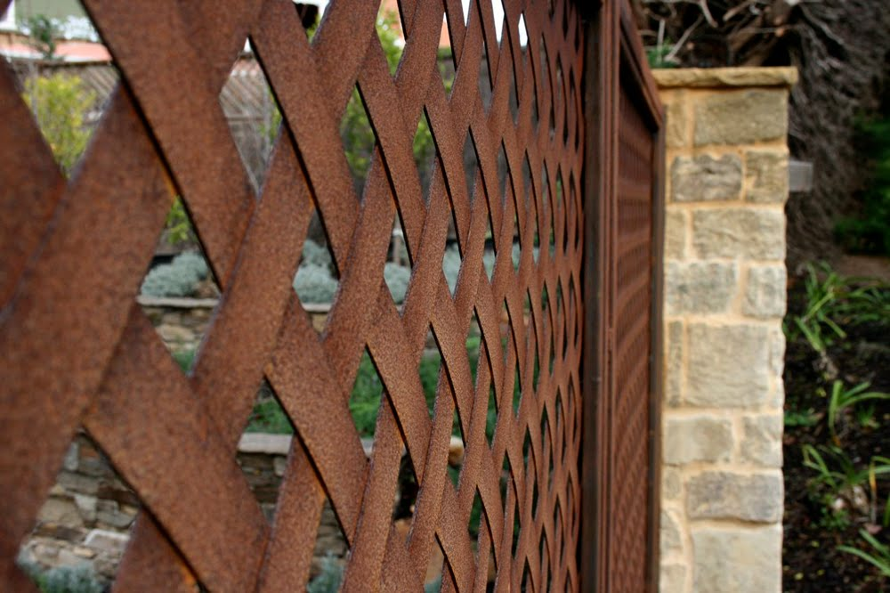 Lump Sculpture Studio specialising in Corten Steel: Lump is anything but faux.