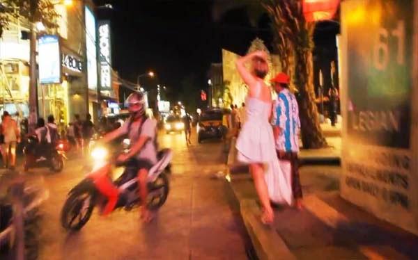 Spend i eve walking in legian street  Beaches in Bali: Legian Street The Nightlife of Bali