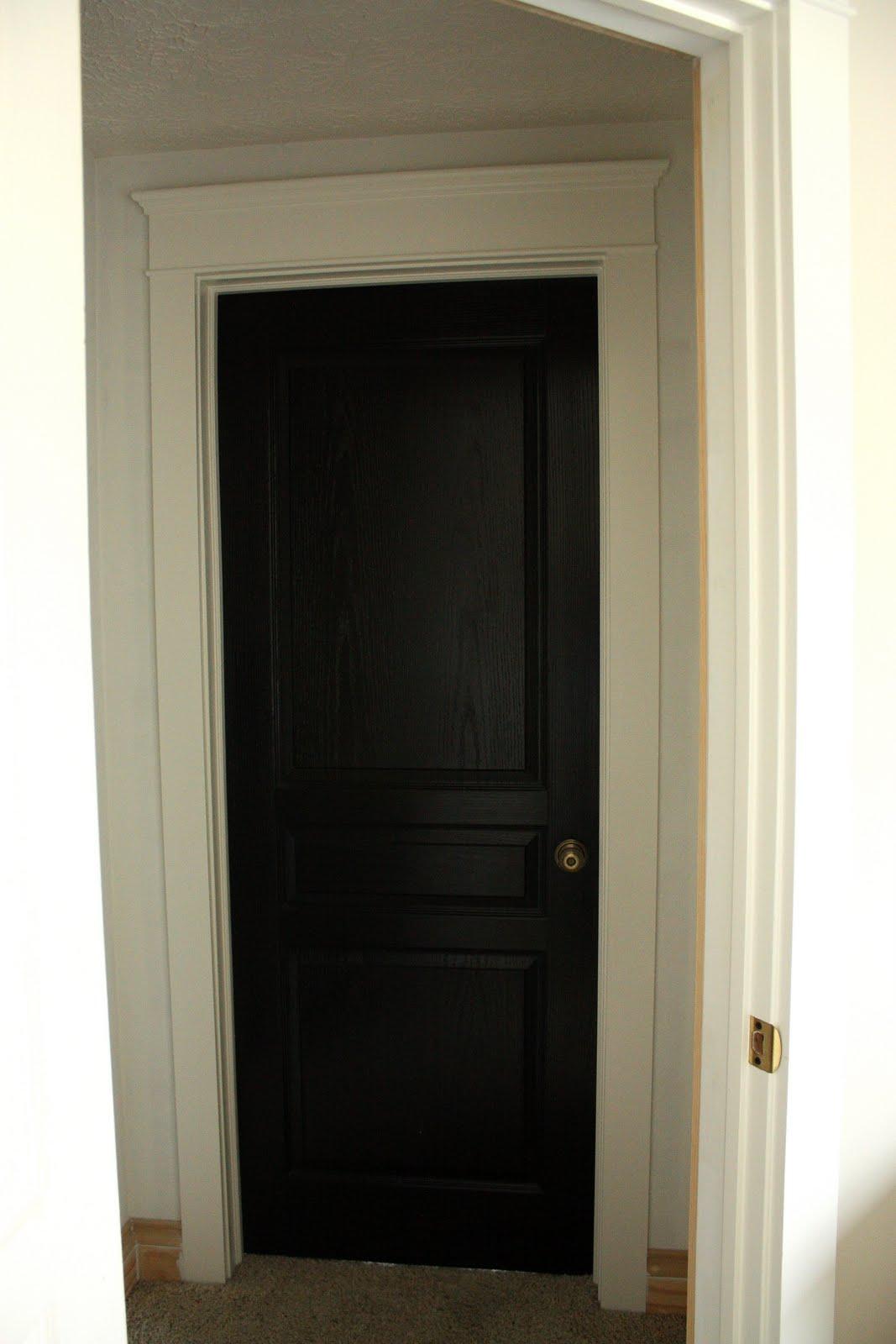 Woohooie: about those black doors