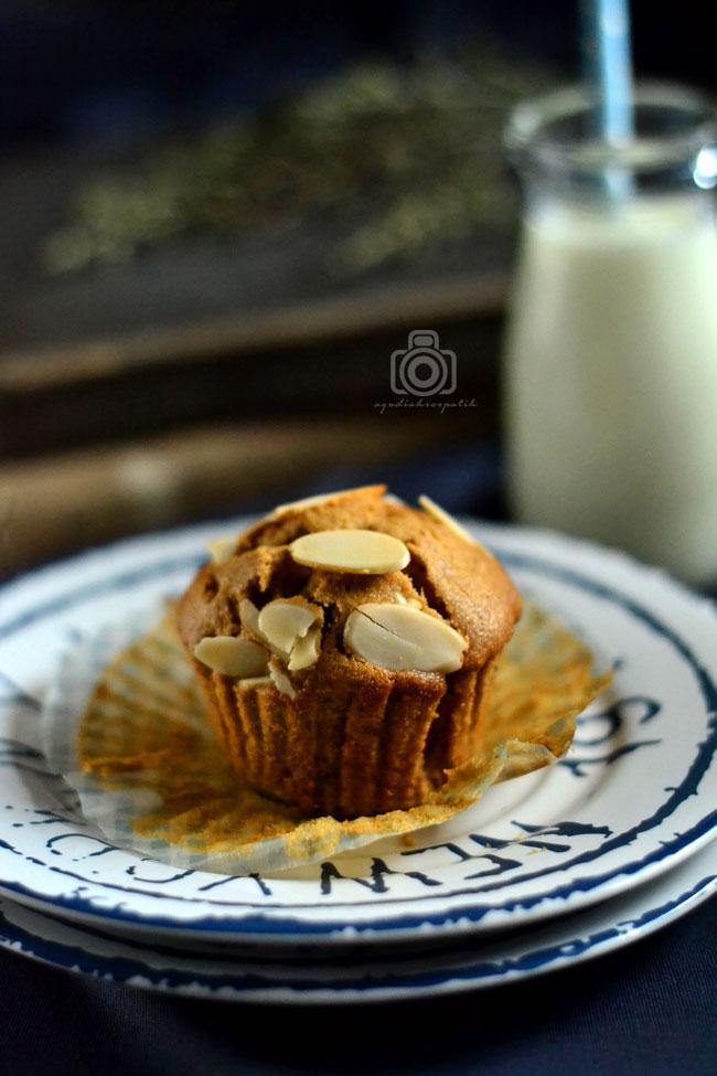 Banana Peanut Butter Cupcake