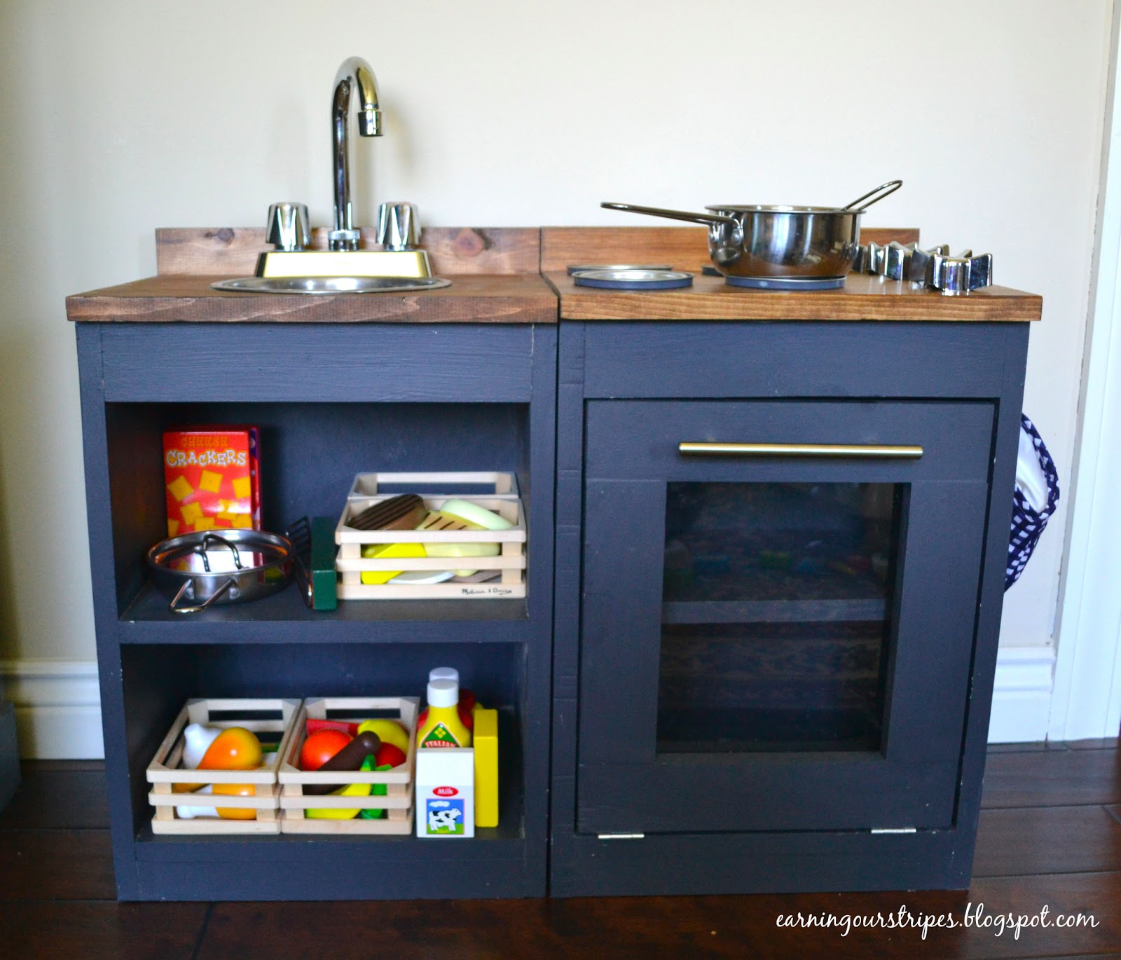 Earning our stripes diy play kitchen for Diy play kitchen ideas