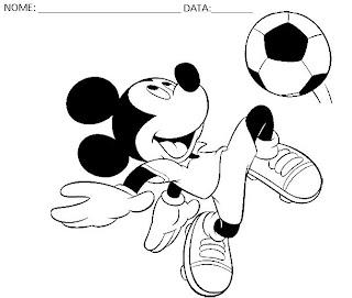 Educação Infantil - Desenhos para colorir Disney Mickey jogando futebol