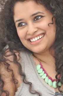 Soumya Sukumar latest  Pictures 001
