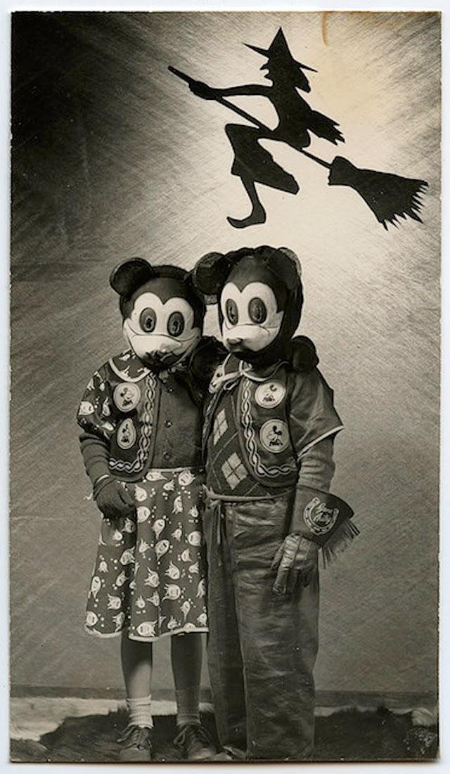 15 vintage portrait photos with creepy animal head masks. Black Bedroom Furniture Sets. Home Design Ideas