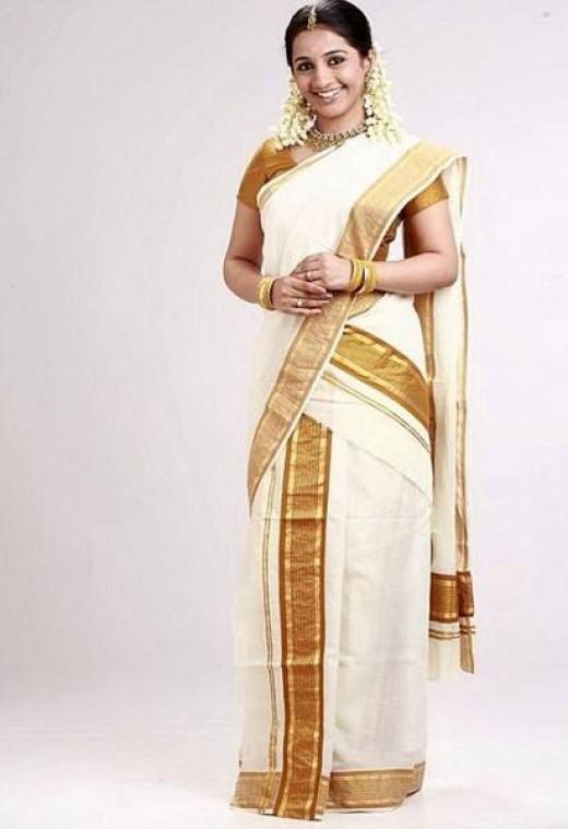 Lastest Malayalam Actress In Traditional Kerala Dress