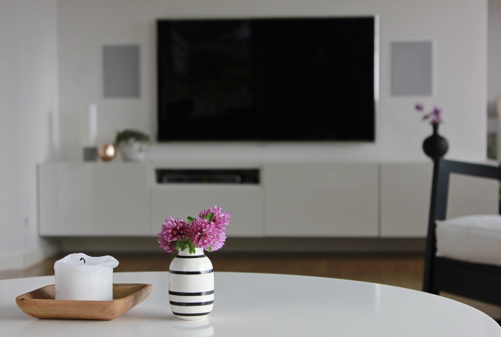 og henge tv og tv benken opp p? veggen til og med vindushyllen ...