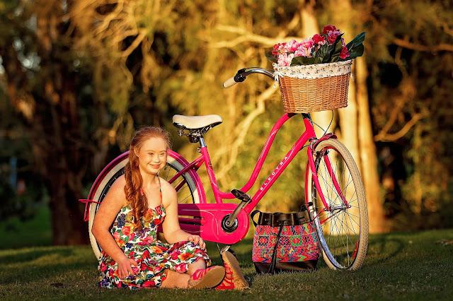 Madeline Stuart everMaya - Hello, Handbag
