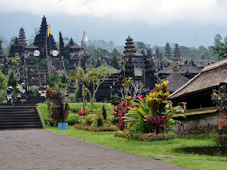 beautiful temple in paradise, pura besakih, history of besakih, history of hindu temple in bali