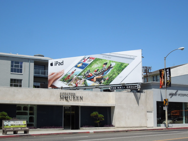 Apple iPad 3 billboard
