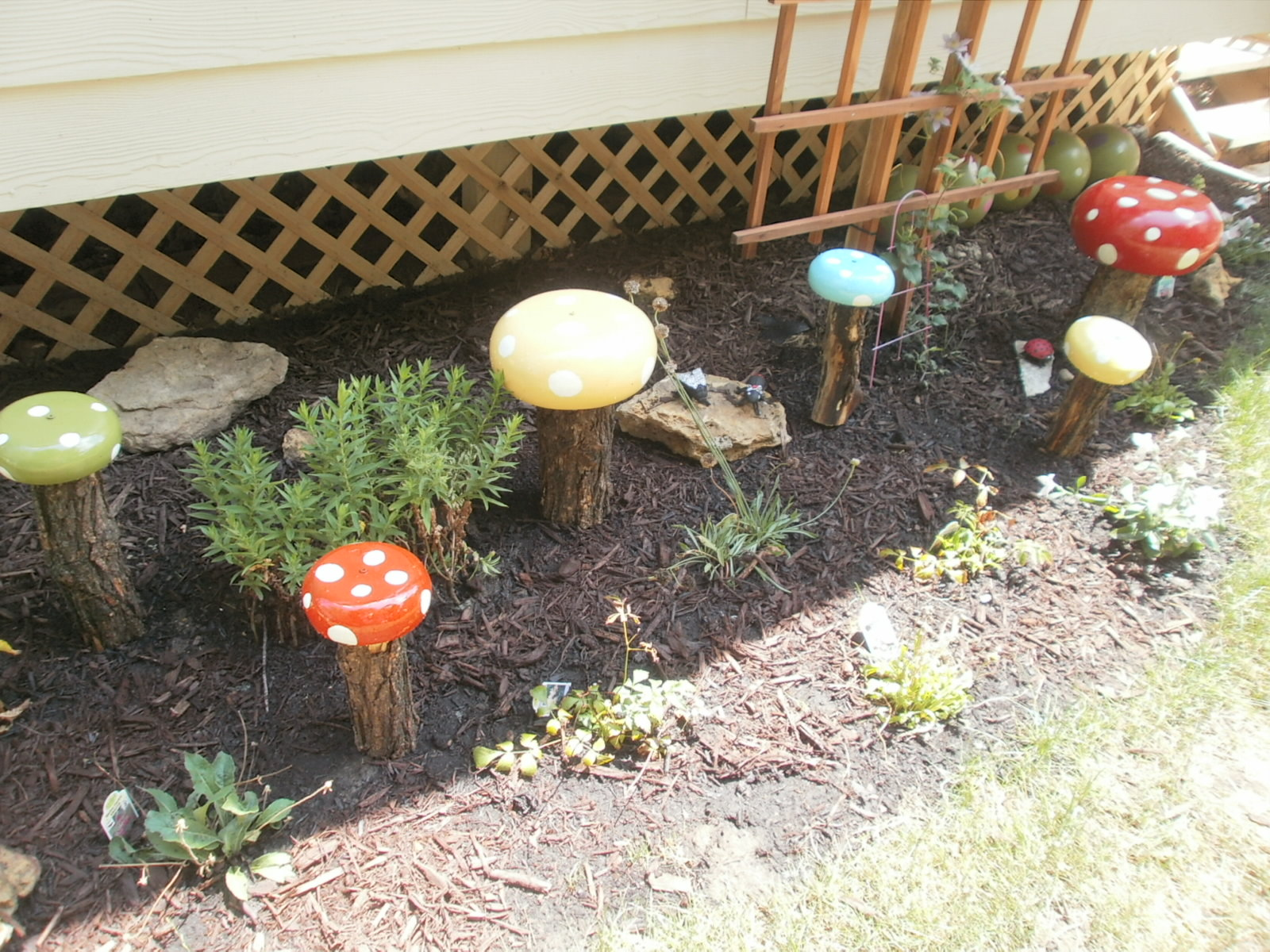 how to make toadstools for the garden