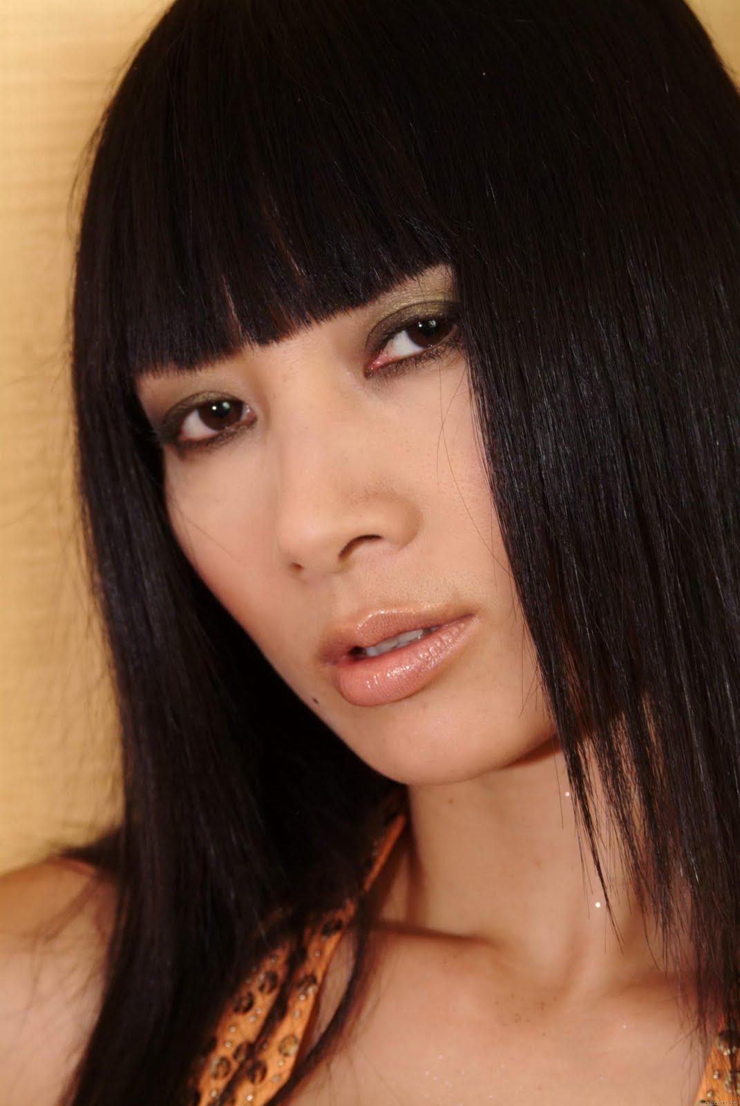 http://4.bp.blogspot.com/-EpRQJcSgw3U/TjTjMWtnr9I/AAAAAAAAC50/30xwdWHSvzQ/s1600/Bai+Ling+Hairstyle+%25289%2529.jpg