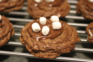 Delicious Dishings: Mini Hot Cocoa Cookies
