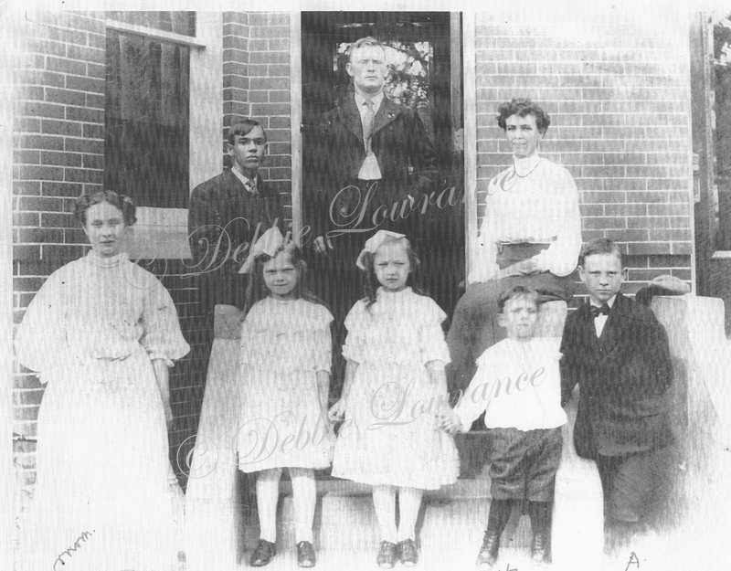 Mills Family 1906 - John Patrick, Carrie Virginia, Mazie, Grace, Elva, Harvey and Arthur Mills - My Family History Journey - Debbie Lowrance