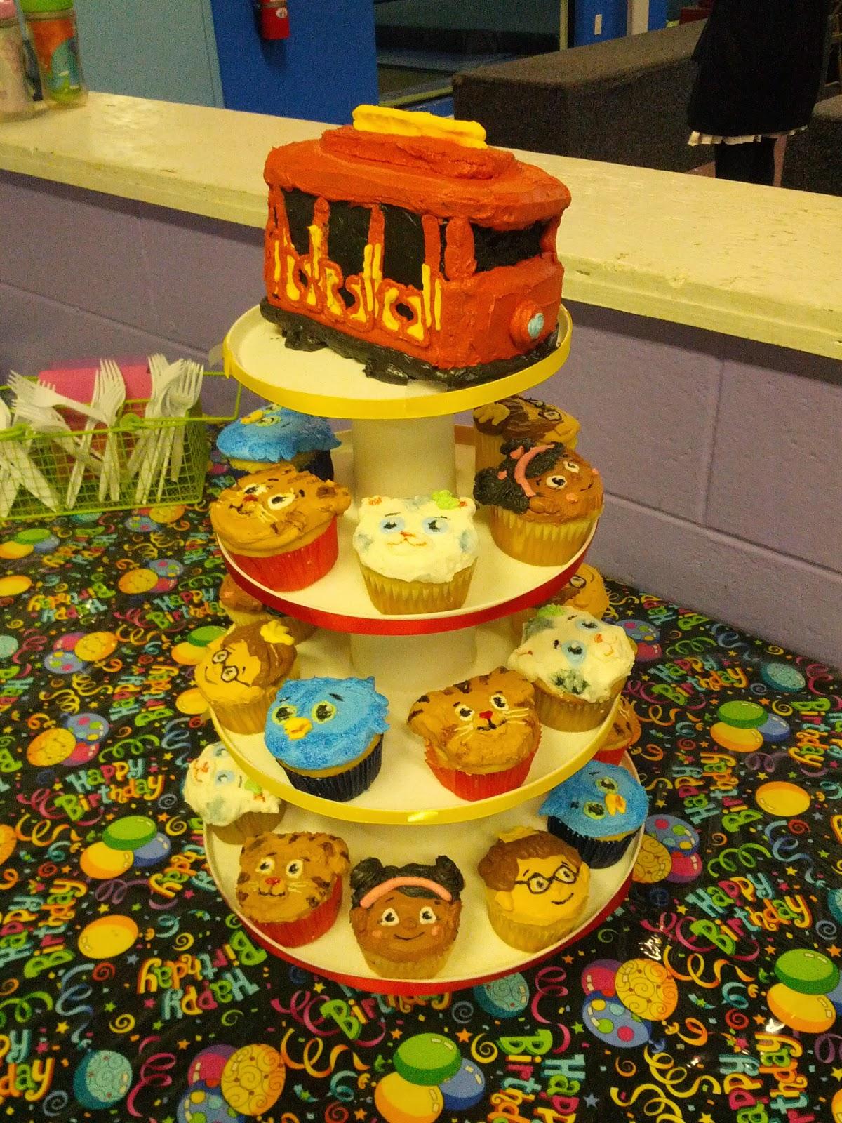 Latest Birthday Cakes Madfoamingcats Fumbled Creations