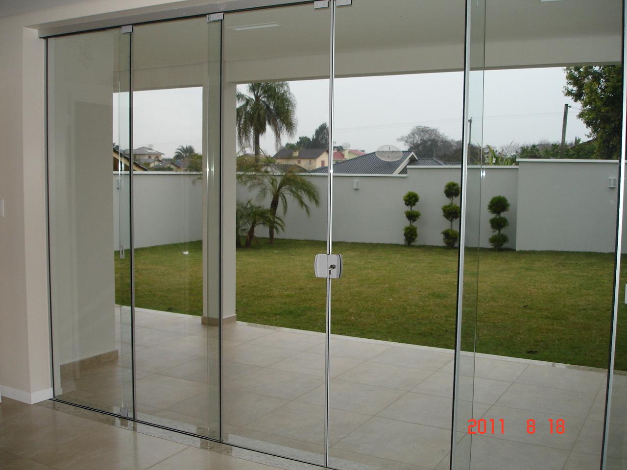 Vidromax ibirub rs porta de correr 4 folhas m veis e for Porta 4 folhas de vidro temperado