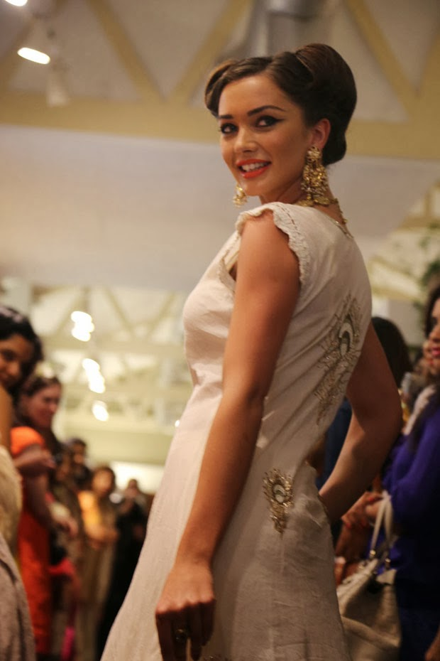 Amy Jackson spicy photos