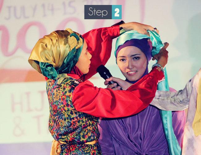 cara memakai jilbab untuk pesta