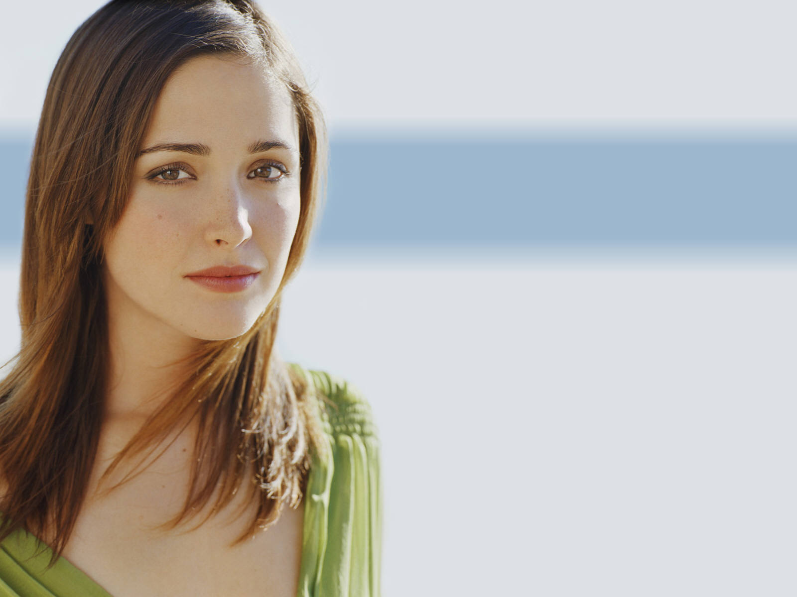 http://4.bp.blogspot.com/-Eq45uemzatI/UWFckMjOO4I/AAAAAAAAOqg/CV1L5yxH3Cg/s1600/Rose_Byrne_Actress_Wallpapers_sexy-38000.jpg
