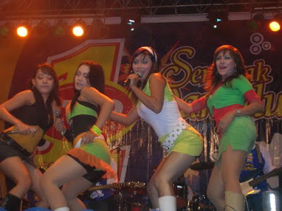 dangdut1wr0 Foto Hot penyanyi Dangdut sampai Telanjang
