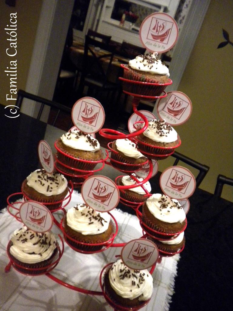 Familia cat lica decoraci n para cupcakes para el a o de for Decoracion en cupcakes
