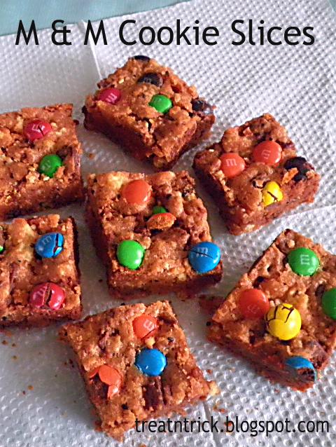 M&M Cookies Slices Recipe @ http://treatntrick.blogspot.com