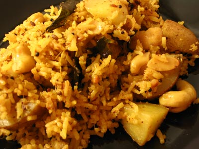 Cashew Rice with Diced Potatoes