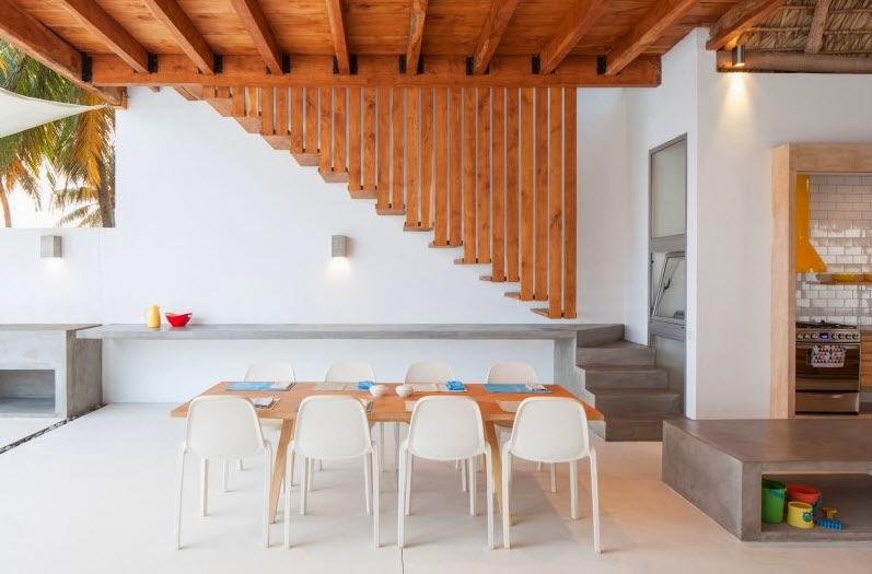 vista del comedor de casa de madera y bamb