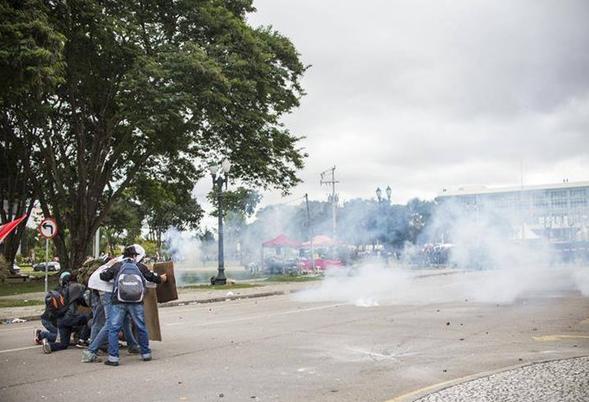 Greve de Professores do Paraná já dura 6 dias