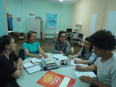 Reunião no Pontão de cultura Ponto auxiliadora e oficineiros
