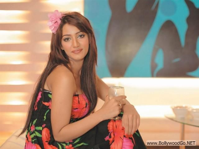 Mathira+hot+(24)
