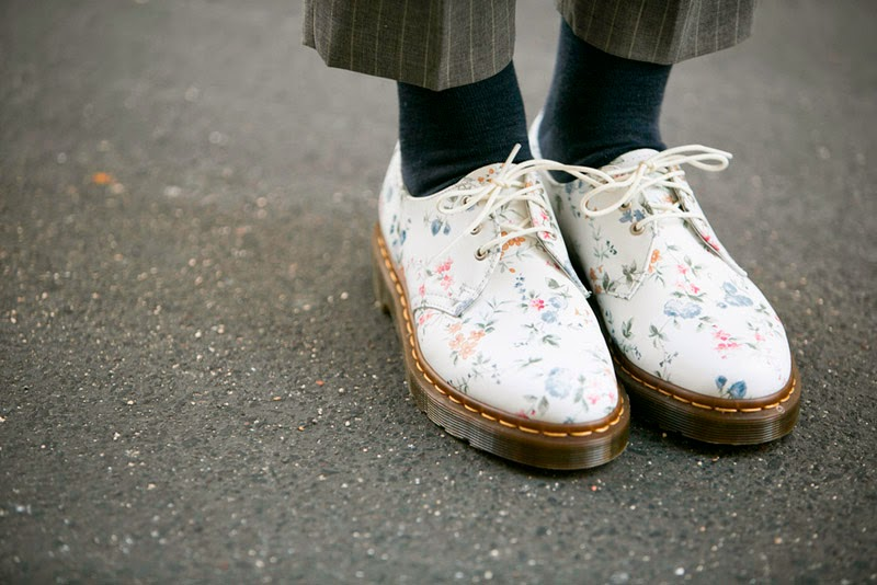 PARIS STREET STYLE: SPRING LOOKS-Dr.Martens